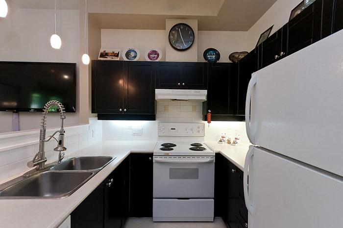 Kitchen Cabinet 19