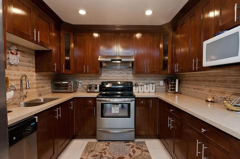 Kitchen Cabinet 44